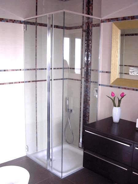 box doccia con portella ad angolo