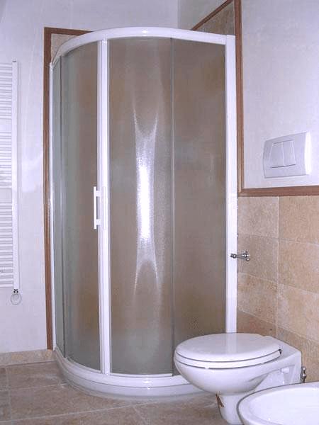 box doccia con vetri curvi scorrevole