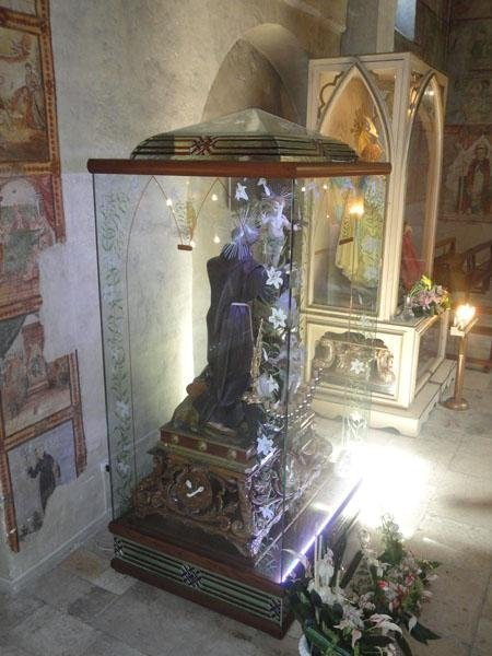 Teca sacra con cupola in tecnica Tiffany