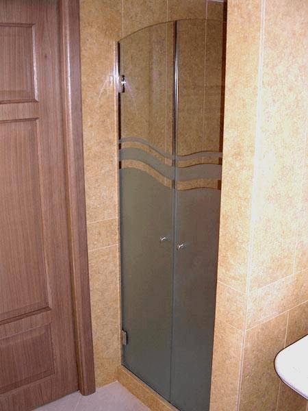 box doccia con due ante apribili