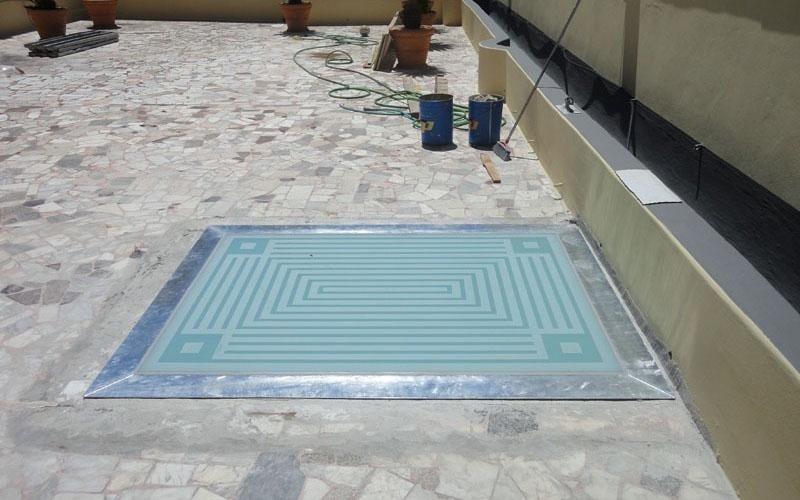 Lucernario a pavimento con decoro antiscivolo