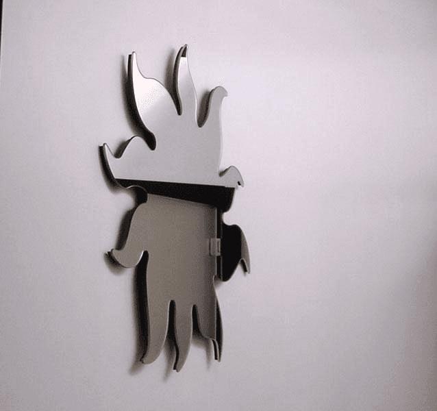 Specchio sagomato con telaio nascosto