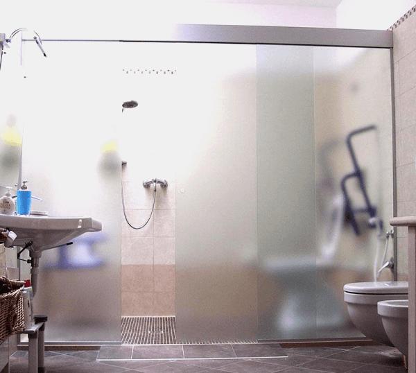 box doccia con due vetri fissi laterali