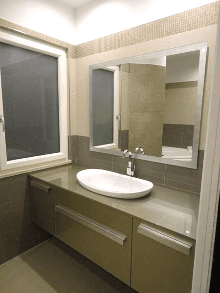 Mobile e top in vetro - specchio con cornice in foglia d