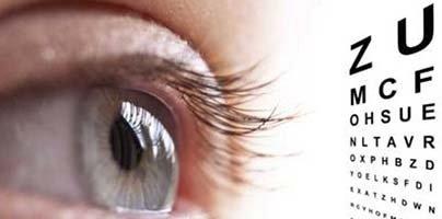 visita oculistica con tavola optometrica