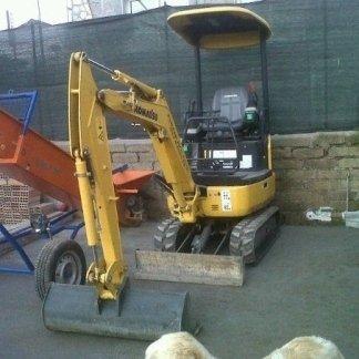 servizio escavatrice