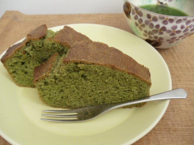 Green teapound cake