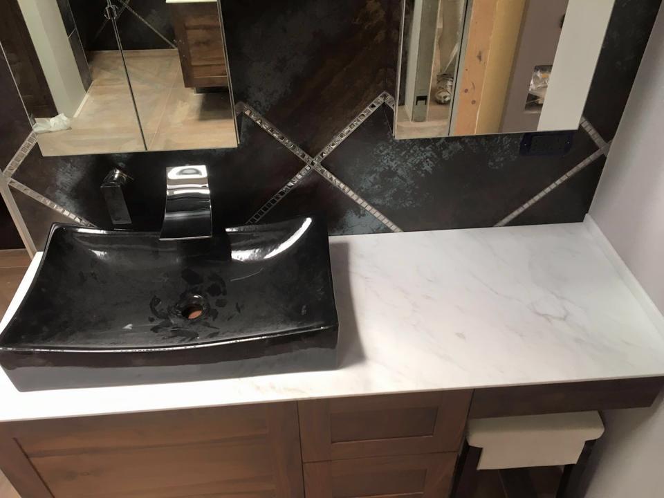 vista di un lavandino nel bagno