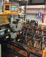 macchinario per la produzione di fustelle