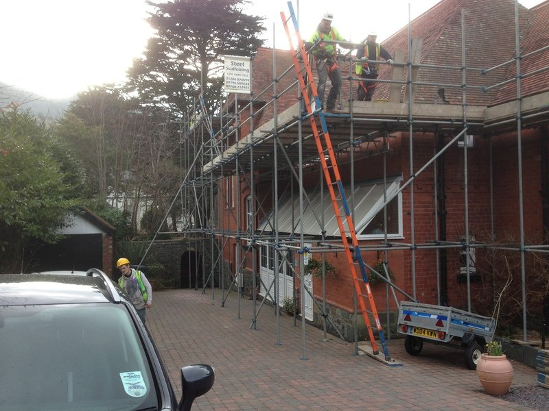 scaffolding specialists at work