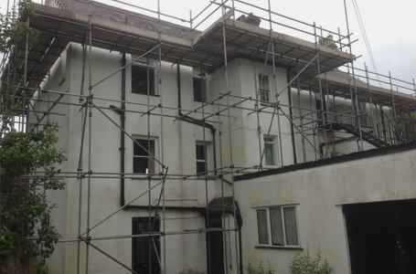 Temporary roof installation