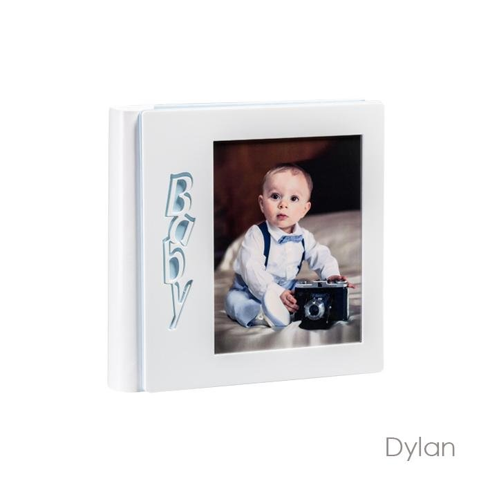 Dylan Model. Leatherette album with plexiglass front panel and laminated photos. Available in the 30x30 format Olimp Album