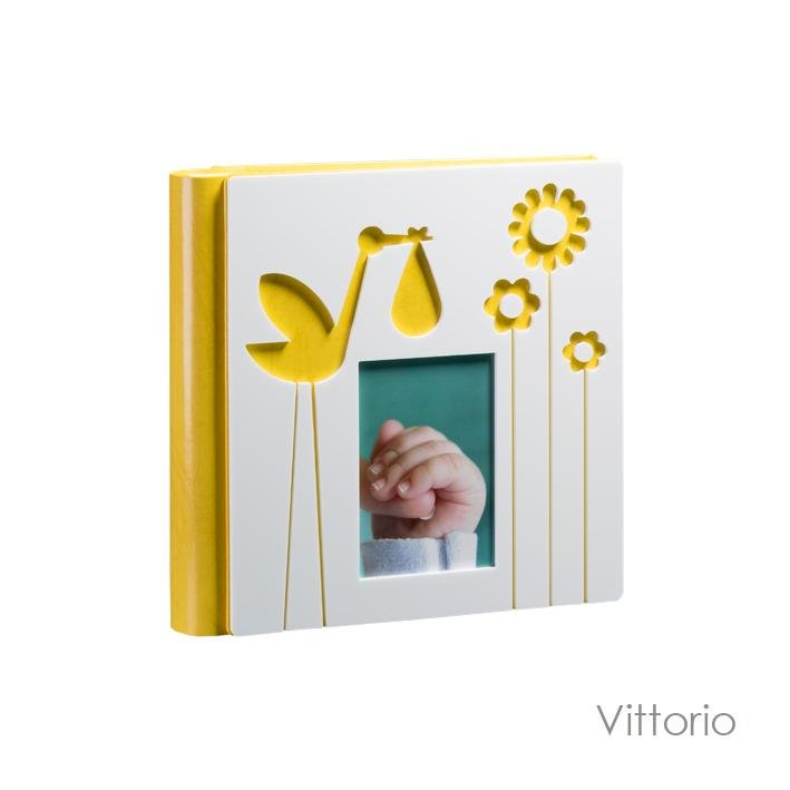 Vittorio Model. Leatherette album with plexiglass front panel and laminated photos. Available in the 30x30 format Olimp Album