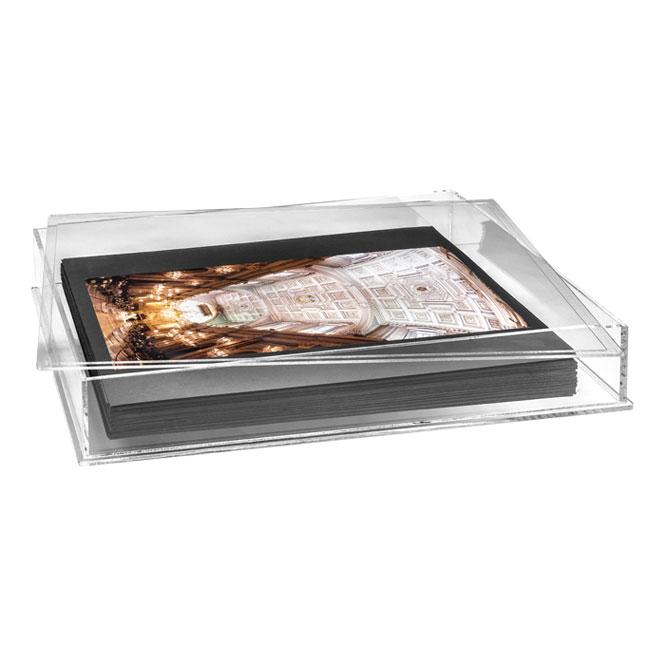 Olimp Album Plexiglass Display Case. Plexiglas display case available for 30x40 albums. It's possible to request it as it's shown in the picture, with cards to attach the photos