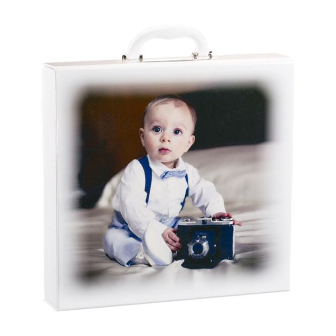 Valigia Baby Olimp Album. Valigia in similpelle con coperchio foto plastificata disponibile per l'album 30x30 e nei colori bianco, rosa, celeste