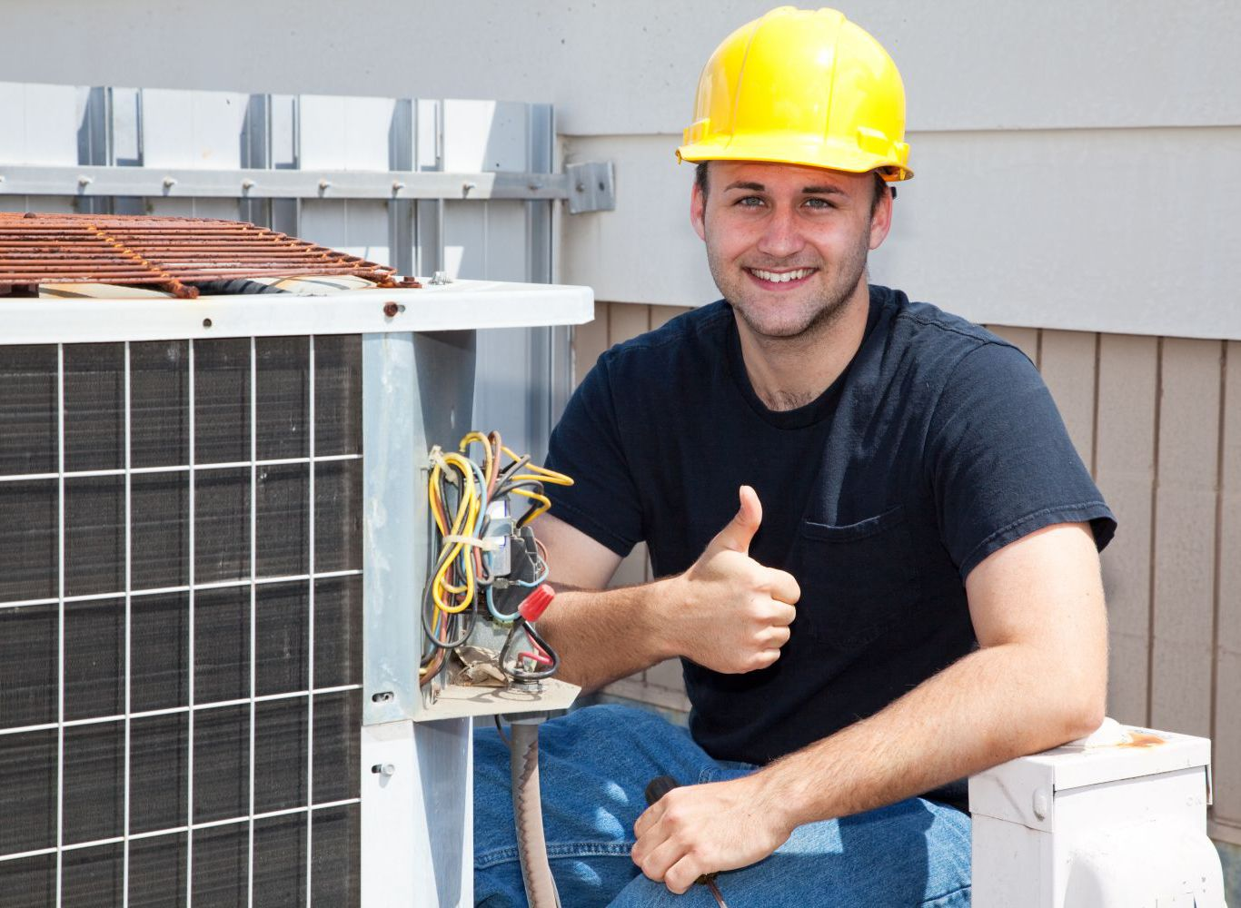 Contractor troubleshooting cooling systems in Williamstown, KY