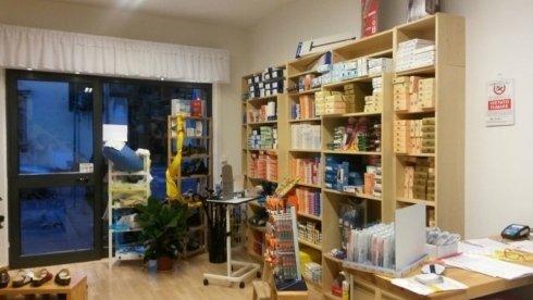 Interno negozio sanitari, Scandicci, Firenze