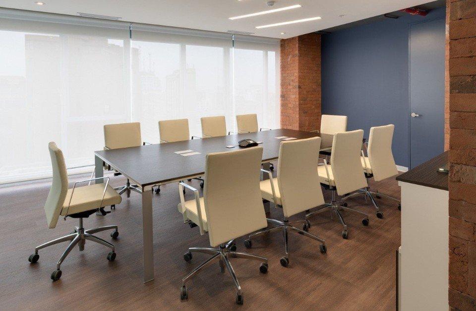 Mobili per ufficio e ambienti di lavoro fino mornasco for Mobili ufficio como