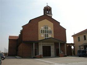 Vista della chiesa a Riva Presso Chieri
