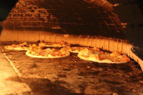 forno a legna per cottura pizze