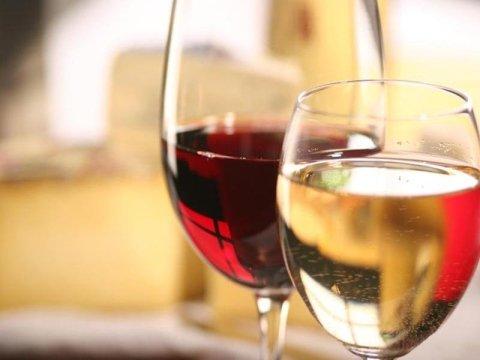 Selezione vini bianchi e rossi Osmate (VA)