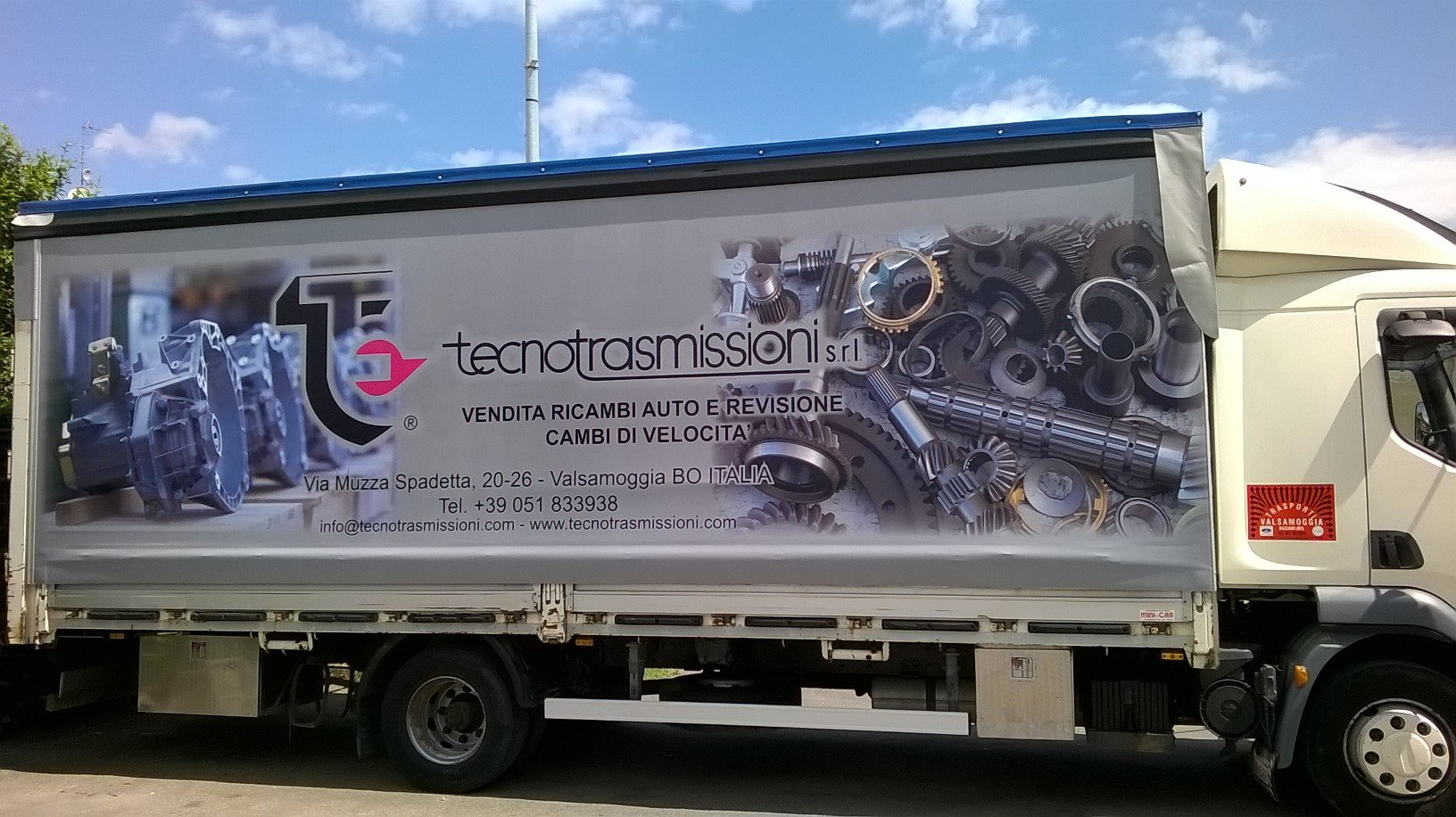 camion con laterale personalizzato