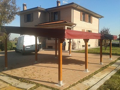 gazebo con struttura in legno