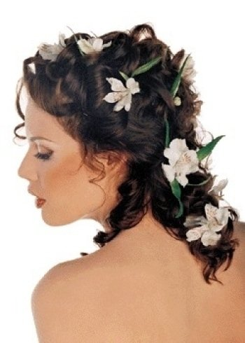Taglio lungo con fiori decorativi