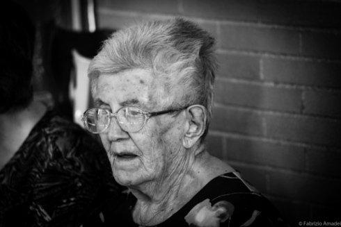 foto di anziana in casa di riposo