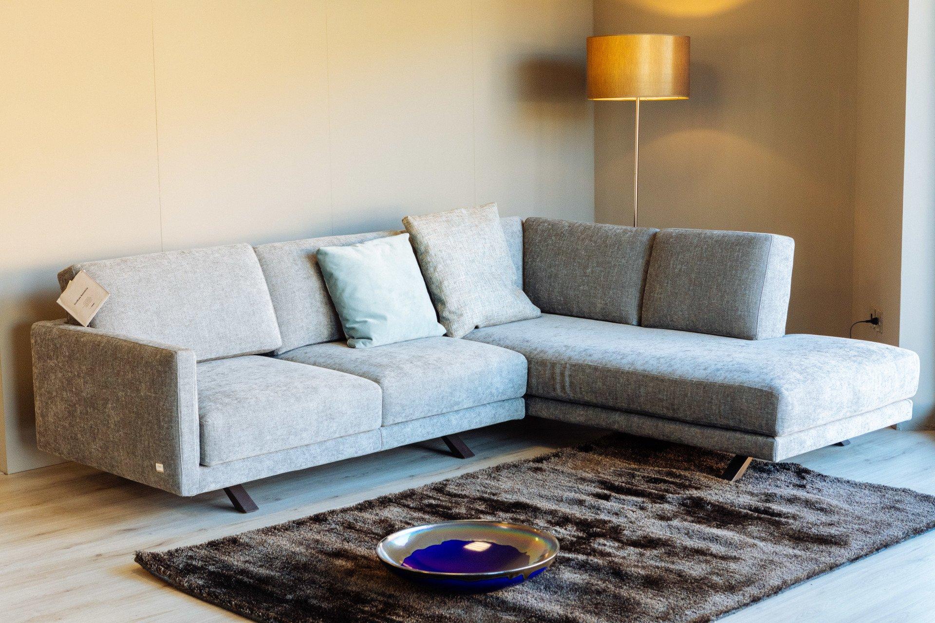 Poltrone e divani trento mobili arese for Divani letto trento