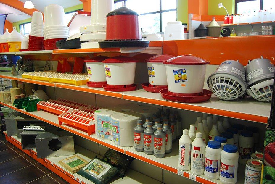 prodotti esposti sugli scaffali