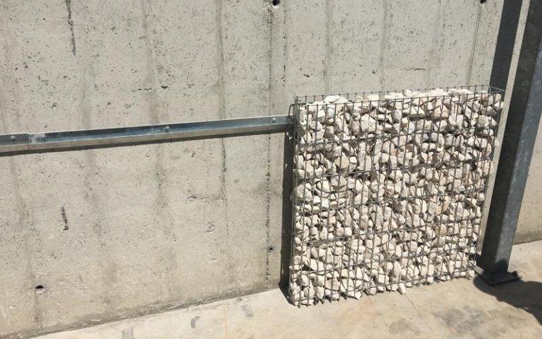 Rivestimento parete con gabbioni