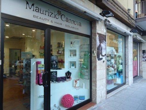 Entrata del salone parrucchieri di Maurizio Cannova