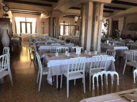 Interno del ristorante pizzeria La Pineta