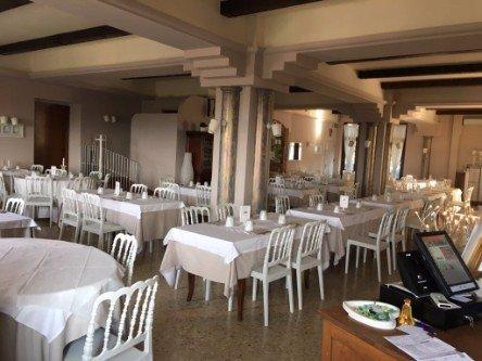 Vista dell'interno del ristorante pizzeria La Pineta