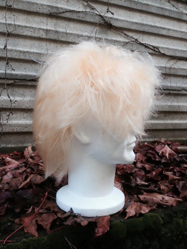 Parrucca bianca con riflessi arancione