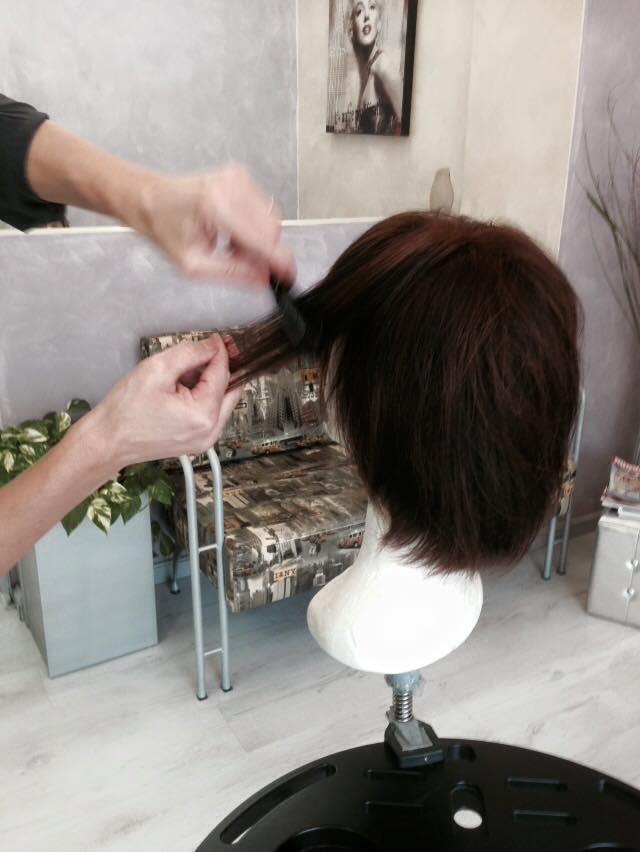 Pettinando la parrucca