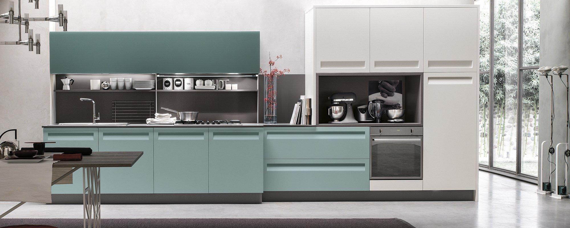 cucina con mobili azzurri