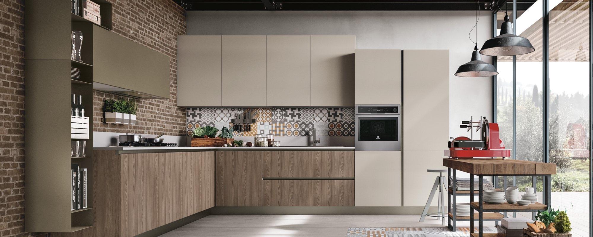 cucina con mobili in legno e stile moderno