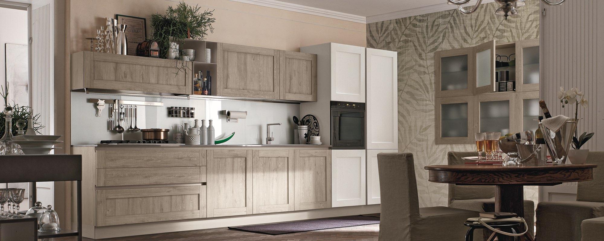 vista di cucina e soggiorno in un unico ambiente