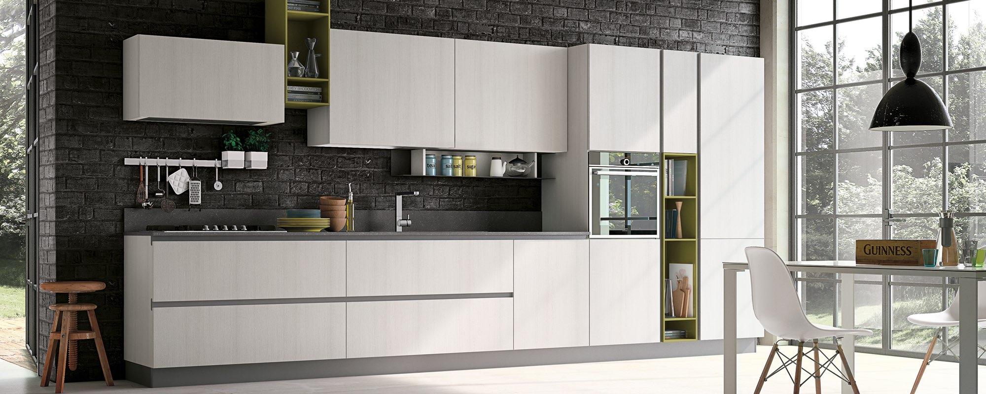 cucina moderna in laminato con vetrate, tavolo e sedie -MAYA
