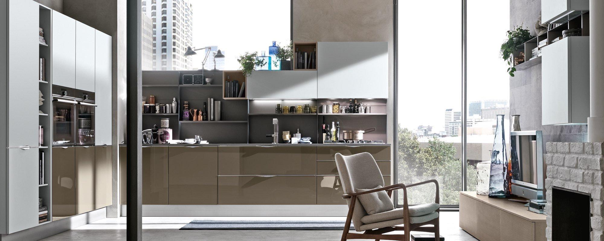 cucina moderna in legno laccata lucida - ALEVE