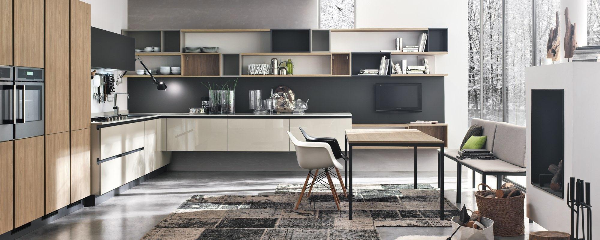Cucina Moderna in legno Aleve con tavolo, sedie, tappeto e arreadamento