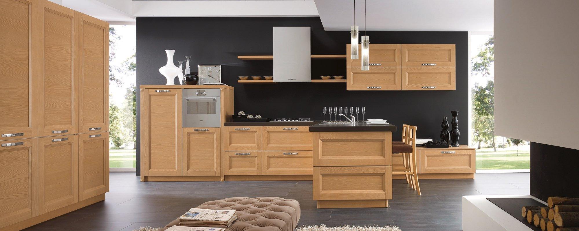 vista frontale di una cucina in legno componibili stosa -Beverly