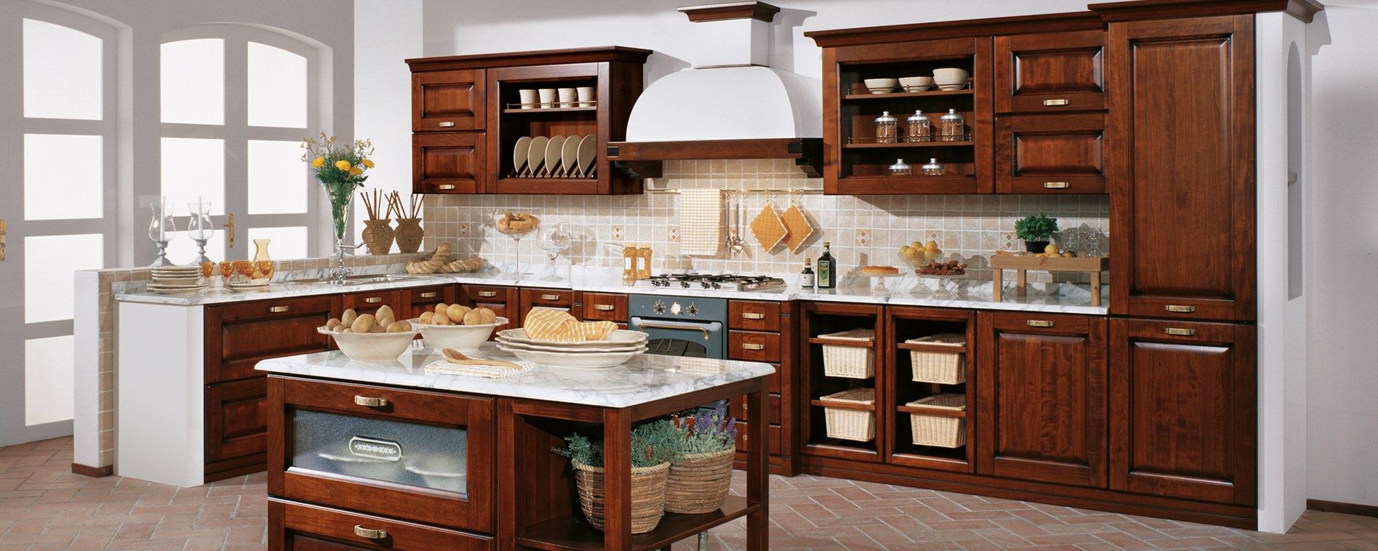 cucina classica componibili stosa con tavolo apparecchiati-Malaga