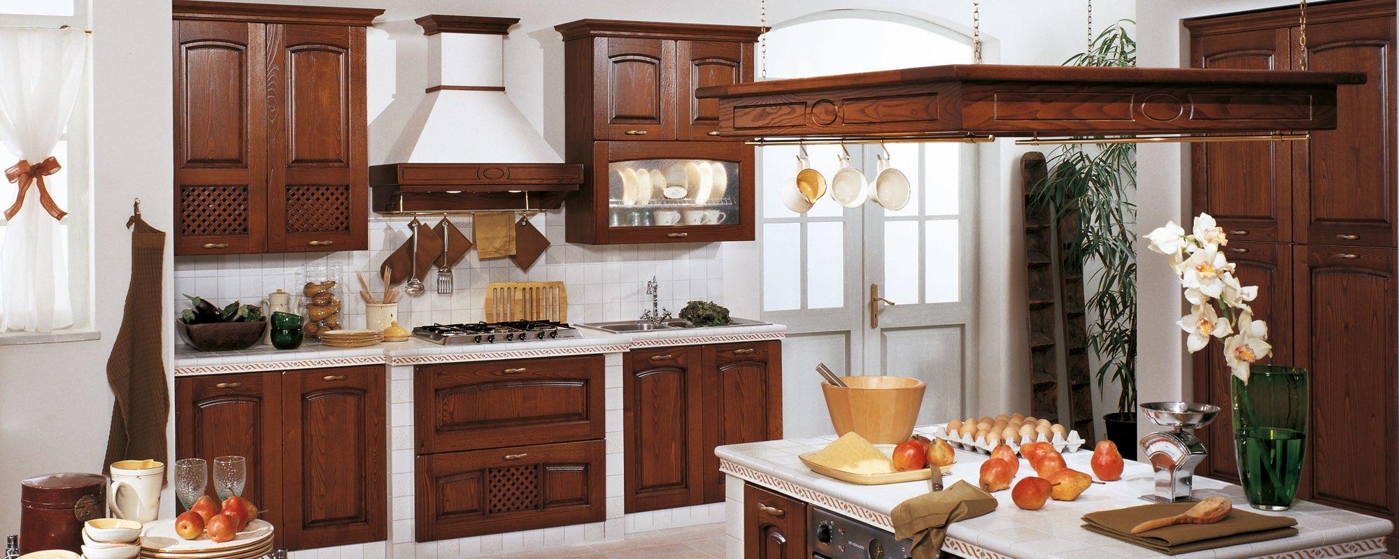 Cucine classiche pegognaga stosa cucine mantova di for Andreoli arredamenti
