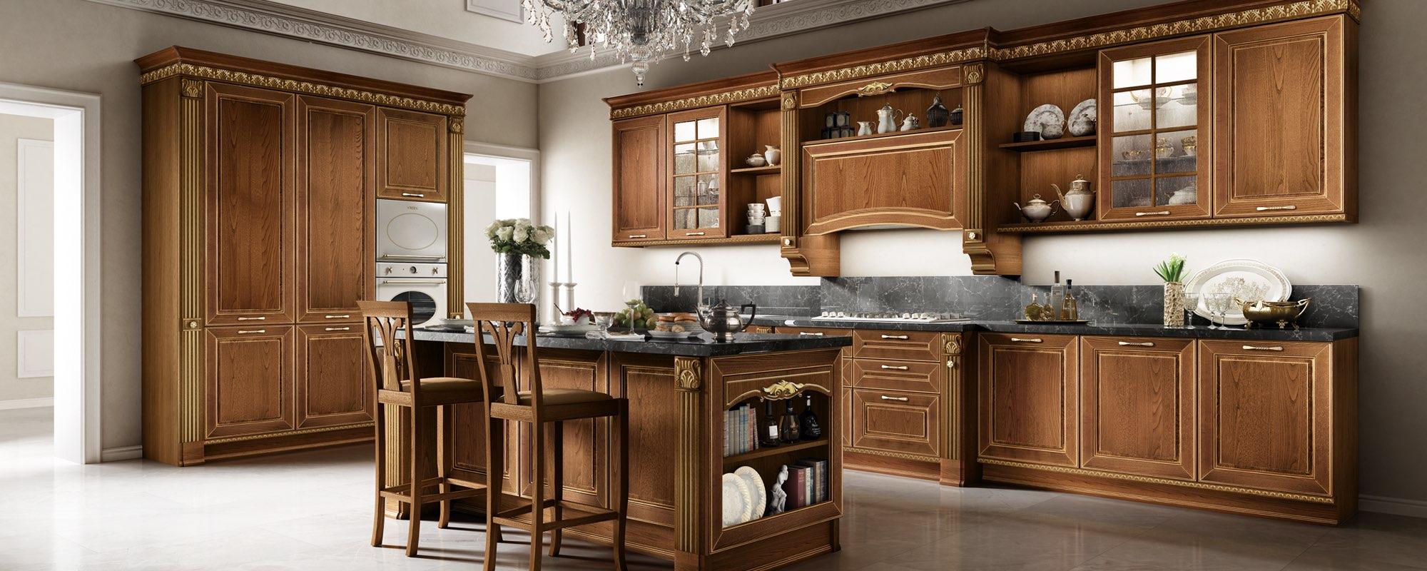 vista laterale di una cucina bianca in legno classica con sedie in legno -Dolcevita