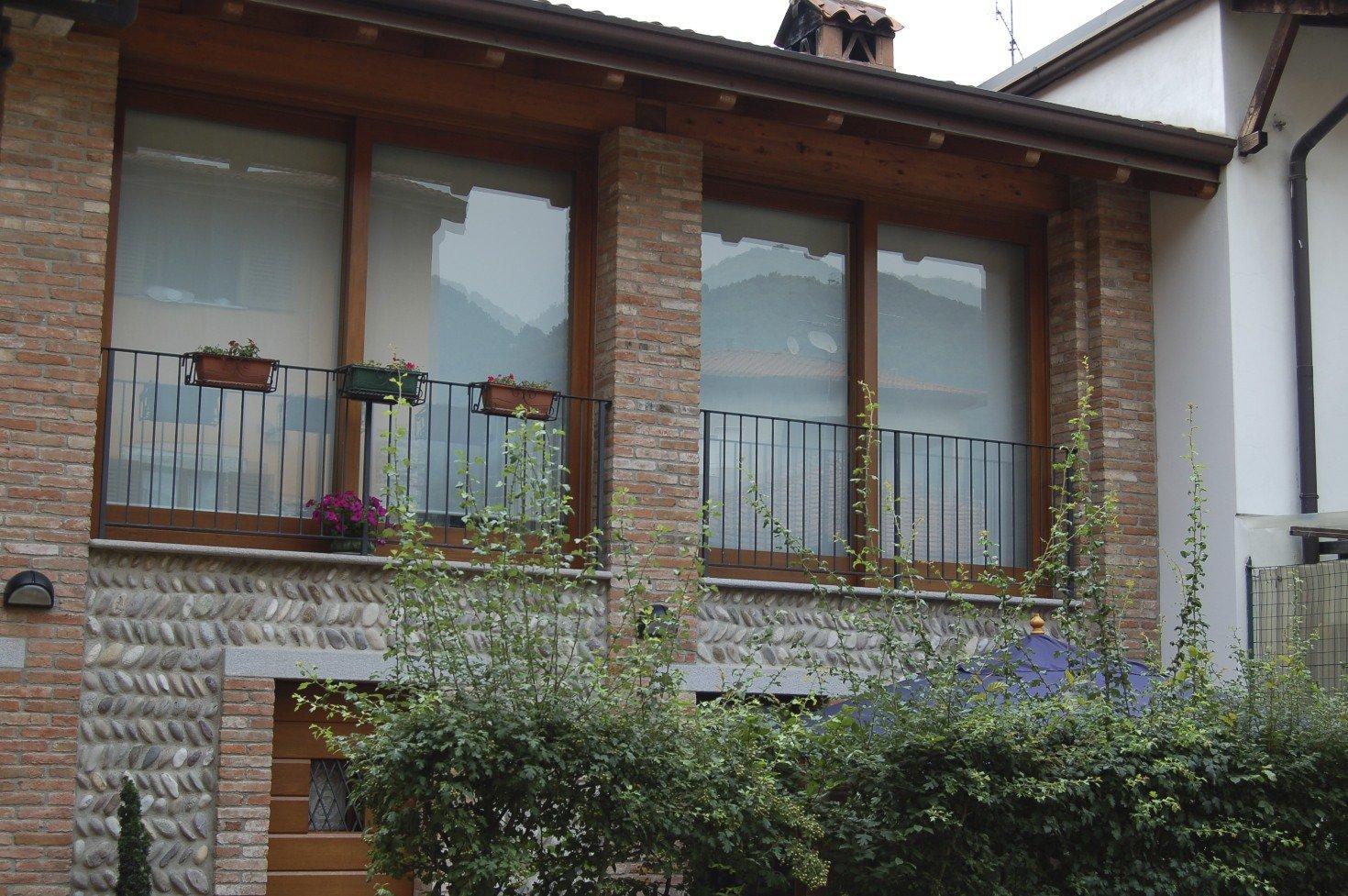 finestre al secondo piano
