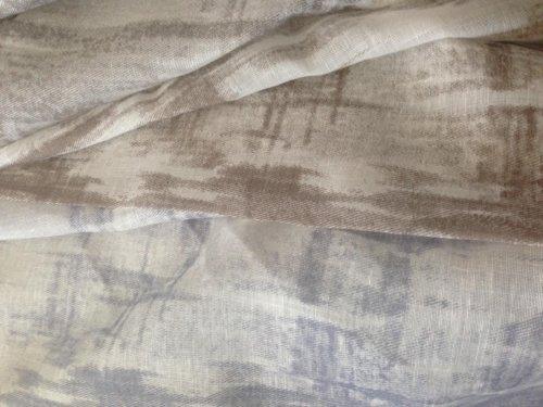 due tessuti con disegni marroni e blu