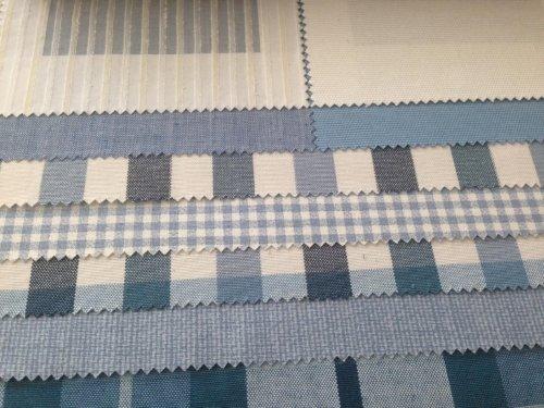 esempi di tessuti di color bianco e blu